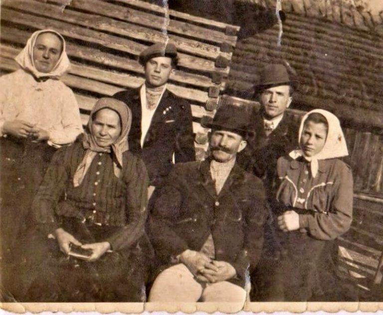 Slovakia ancestry - old family photo